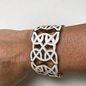 Jewelry - Stunning Bracelet Gold w/ White Enamel Bangle